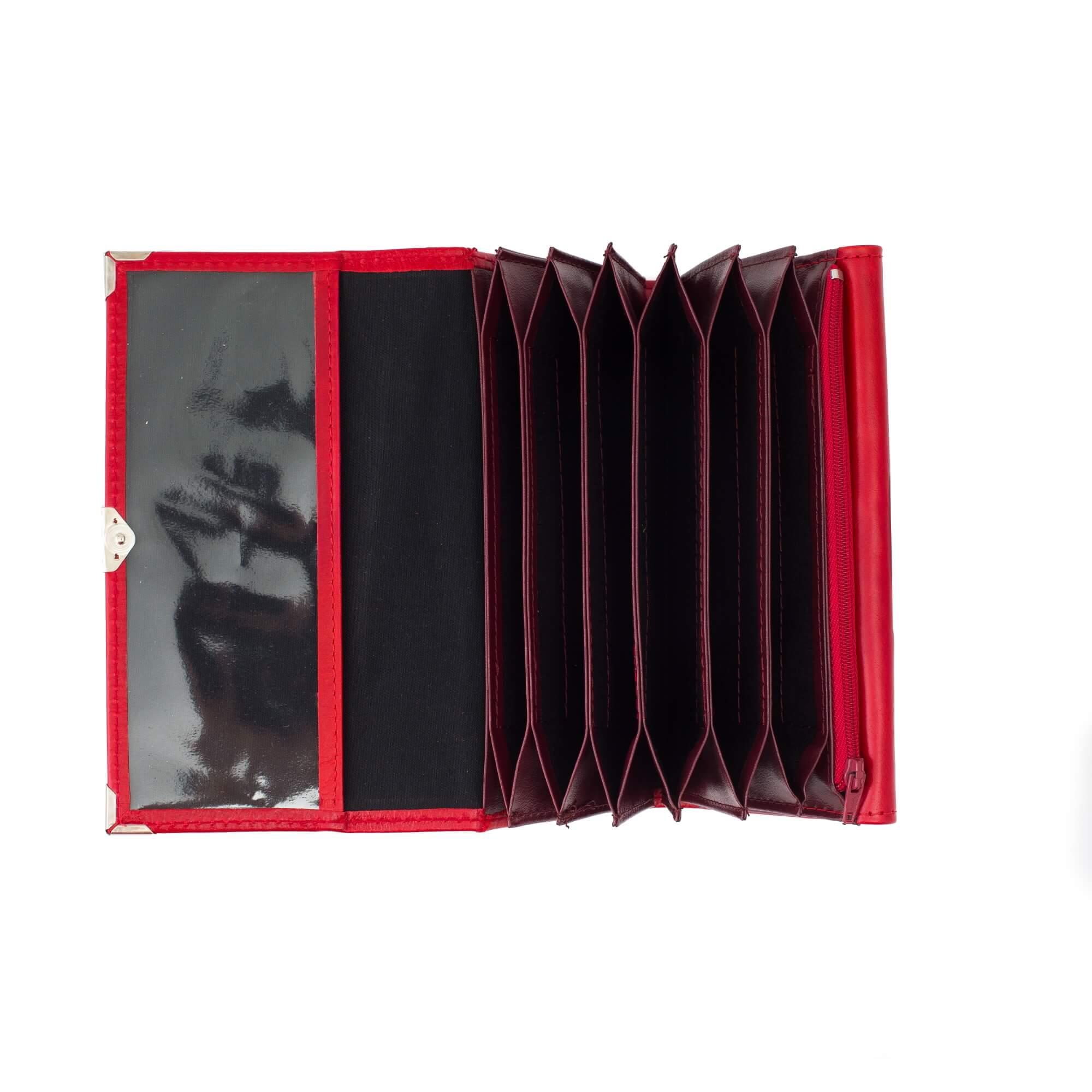 Piros 6 zsebes brifko sarokvedovel (1)