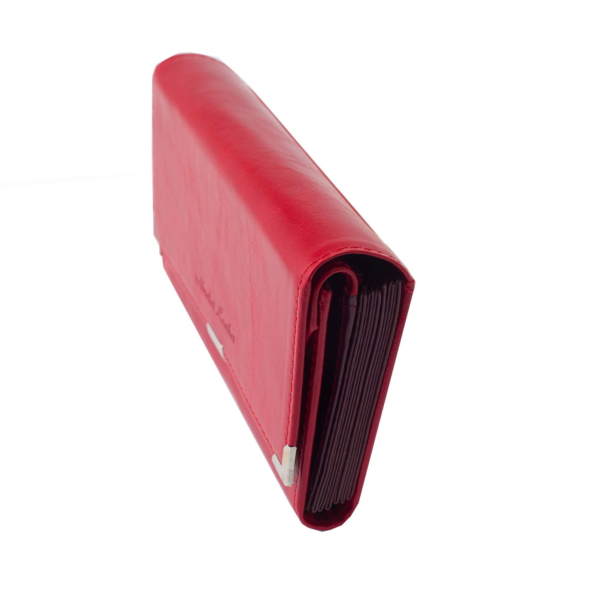 Piros 6 zsebes brifko sarokvedovel (3)